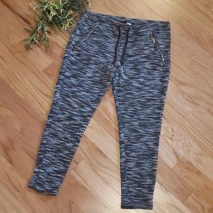 """5/$25""Sz M Divided H&M Black Heathered pants"